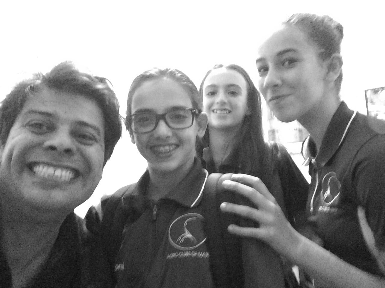 Selfie wih the gymnastics artists Bruna Gonçalves, Rita Teixeira, Maria Pia Martins from Acro Clube Maia.