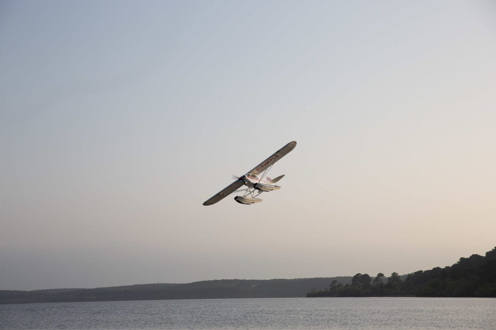 We still had time to take advantage of the beautiful end of the day and go for a quick flight on the hydro airplanes.