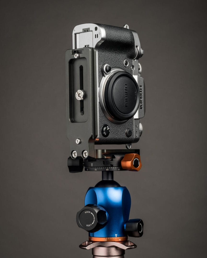 Fujifilm X-T3 with 3LeggedThing QRII L bracket.