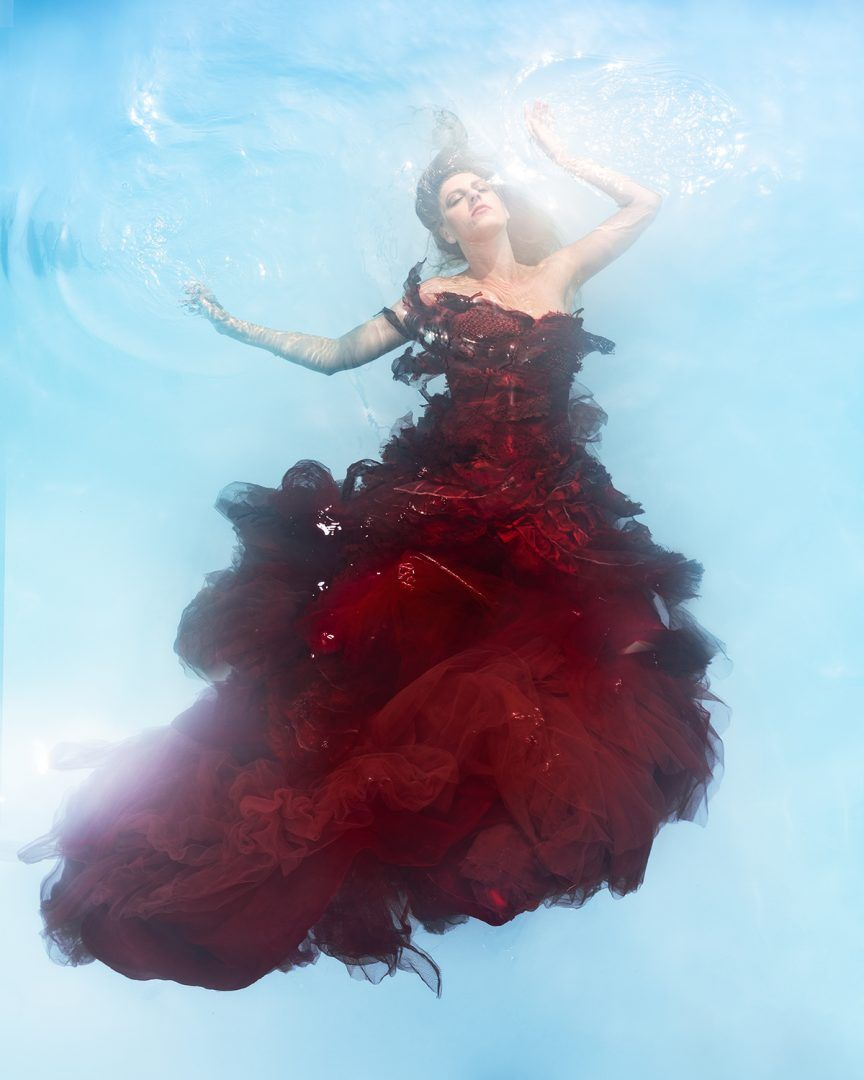 Creating Underwater Fashion Art Images with Medium Format Camera